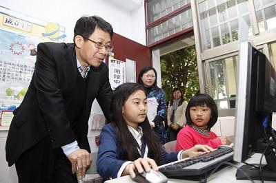 [新聞]「數位學習推動計畫」103年起全面啟動 BY 教育部資訊及科技教育司